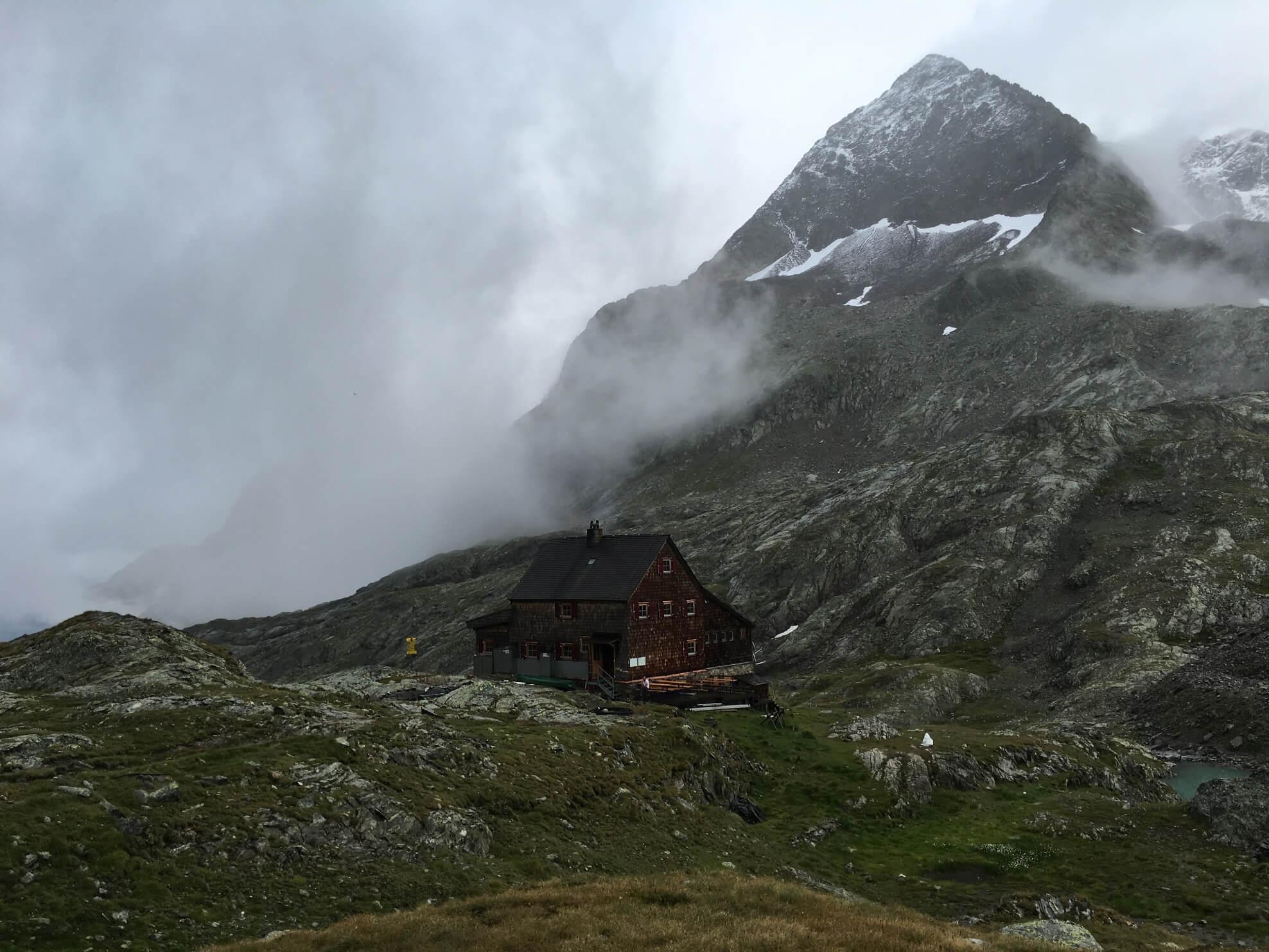 das 3.283m hohe Petzeck mit der Nossberger Hütte
