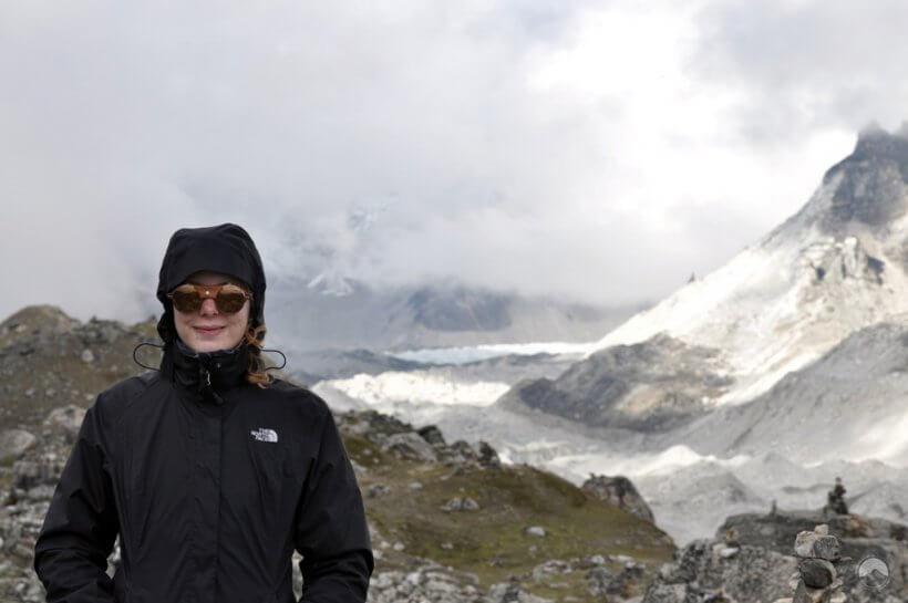 Silvia vor dem Ziel unserer Reise, dem Everest Base Camp