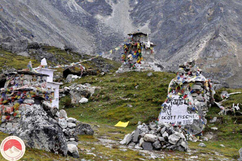 Memorial Everest
