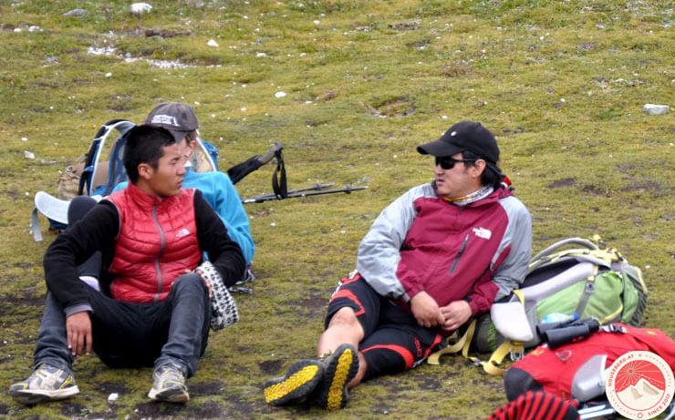 HouseBerg Everest Trek